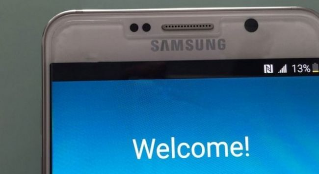 Fotografía - Allégation Samsung Galaxy Note 5 et S6 bord + Photos courtoisie de fuites du distributeur UK Online Mobile Fun
